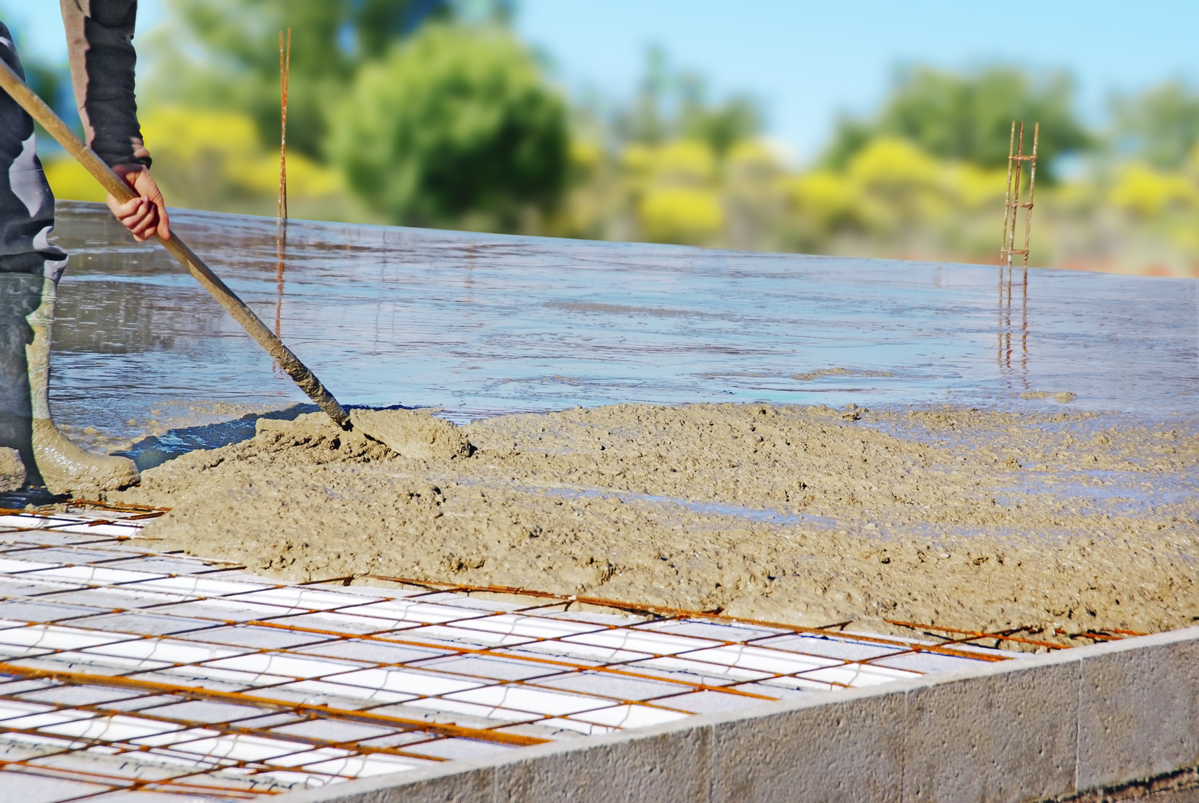 Nettoyer Sa Terrasse En Beton couler une dalle en béton étape par étape